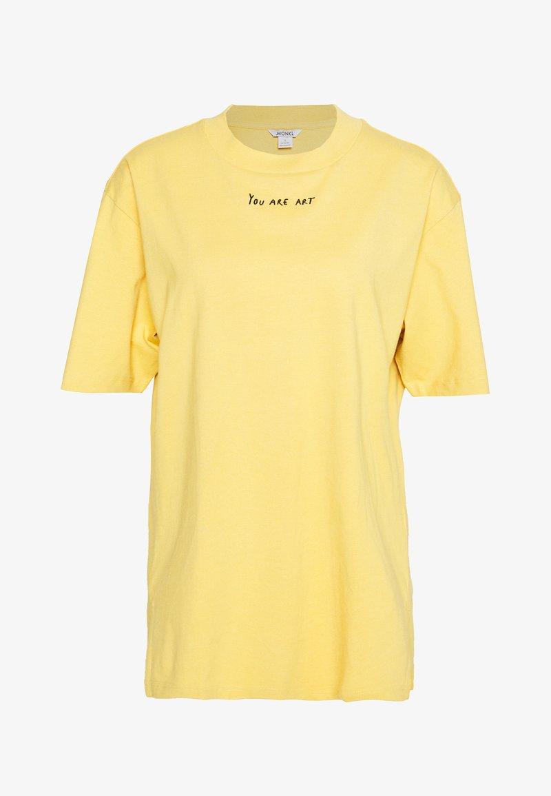 Monki - TORI TEE - Print T-shirt - yellow
