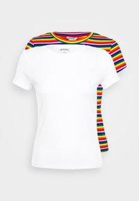Monki - MAGDALENA TEE 2 PACK - Triko spotiskem - red bright rainbow/white solid - 4