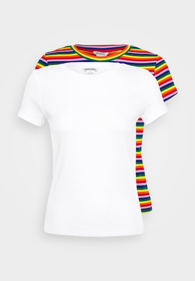 MAGDALENA TEE 2 PACK - Print T-shirt - red bright rainbow/white solid
