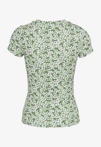 Monki - MAGDALENA TEE 2 PACK - T-shirts med print - green medium/white solid - 3