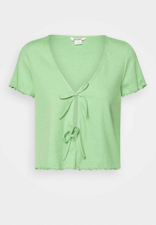 NILLAN - Camiseta estampada - green