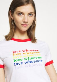 Monki - SARA TEE 2 PACK - T-shirt print - white light - 3