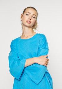 Monki - BILLIE - Longsleeve - blue bright - 3