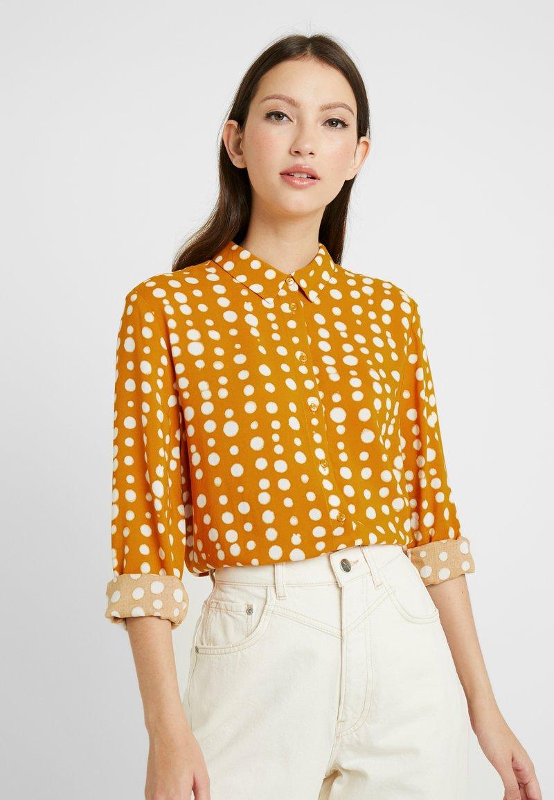 Monki - NADINA BLOUSE - Button-down blouse - yellow dark