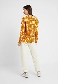 Monki - NADINA BLOUSE - Button-down blouse - yellow dark - 2