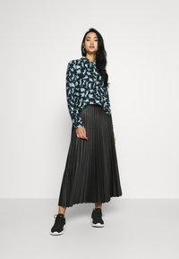 Monki - NADINA BLOUSE - Button-down blouse - dark blue - 1
