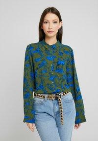 Monki - NADINA BLOUSE - Button-down blouse - blue - 0