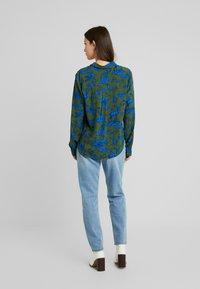 Monki - NADINA BLOUSE - Button-down blouse - blue - 2