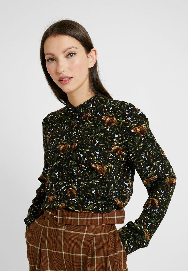 Monki - NADINA BLOUSE - Button-down blouse - green