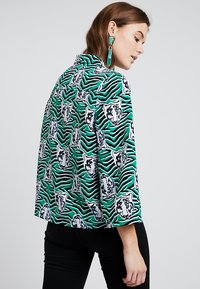 Monki - ANNELIE BLOUSE - Button-down blouse - green/black - 2