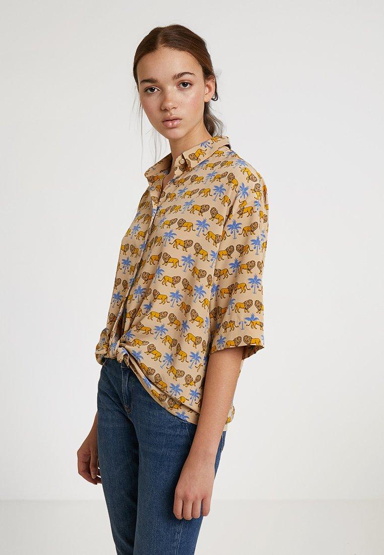 Monki - TAMRA BLOUSE - Camicia - beige