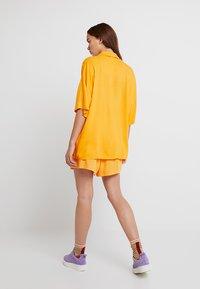 Monki - BERTA BLOUSE - Košile - orange - 2