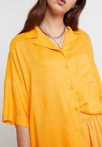 Monki - BERTA BLOUSE - Košile - orange - 4