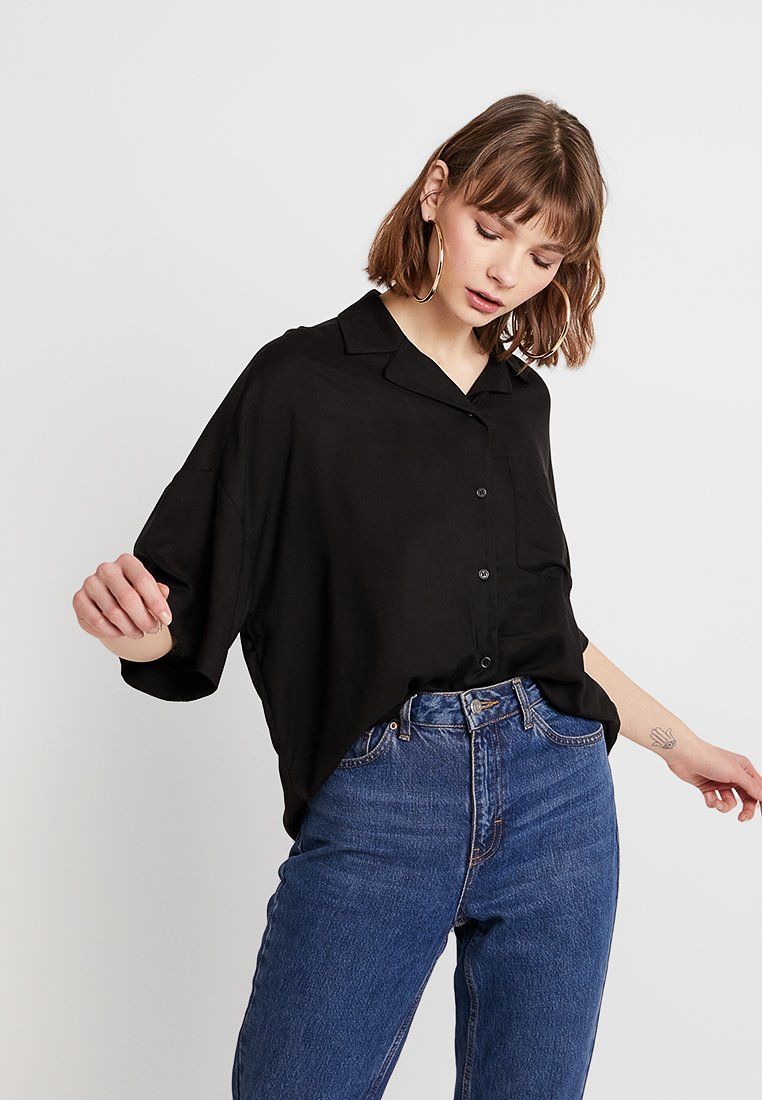Monki - BERTA BLOUSE - Overhemdblouse - black