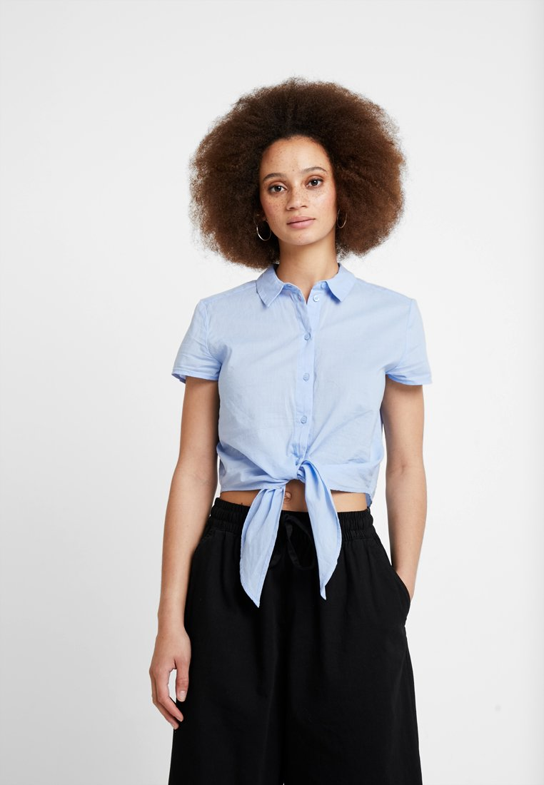 Monki - NORA BLOUSE - Skjortebluser - light blue