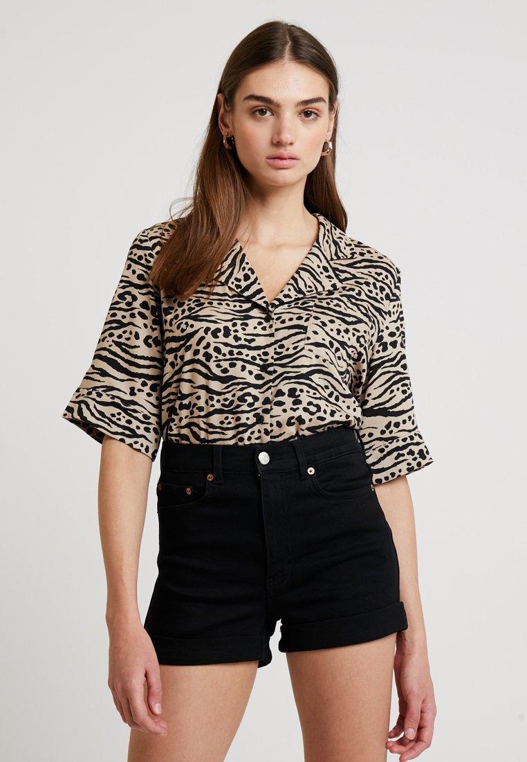 Monki - BONNY BLOUSE - Button-down blouse - beige/black