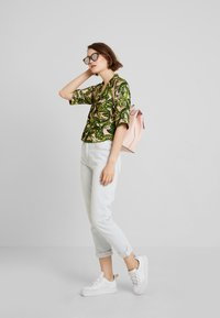 Monki - BONNY BLOUSE - Button-down blouse - newfoliage - 1