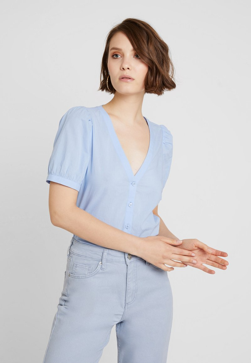 Monki - RORY BLOUSE - Bluse - light blue
