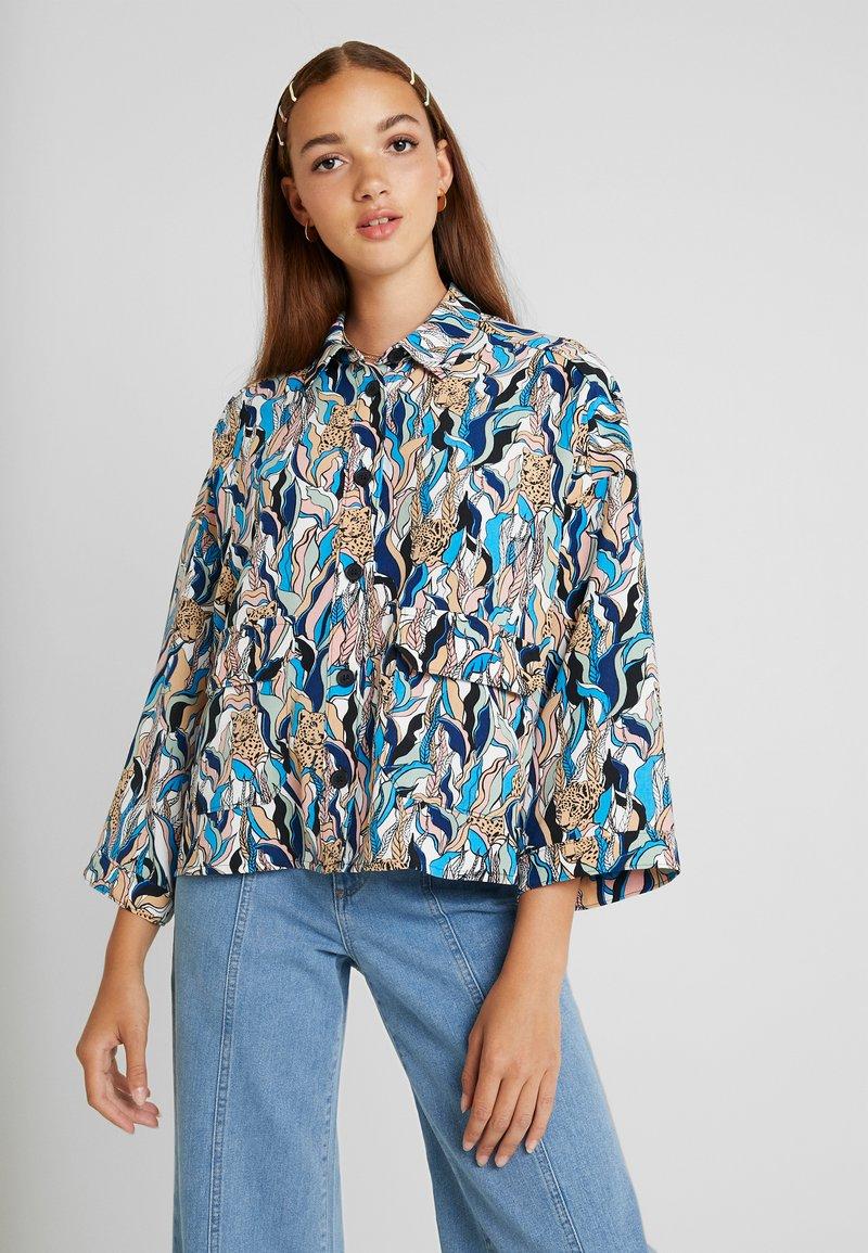 Monki - CATY BLOUSE - Button-down blouse - white