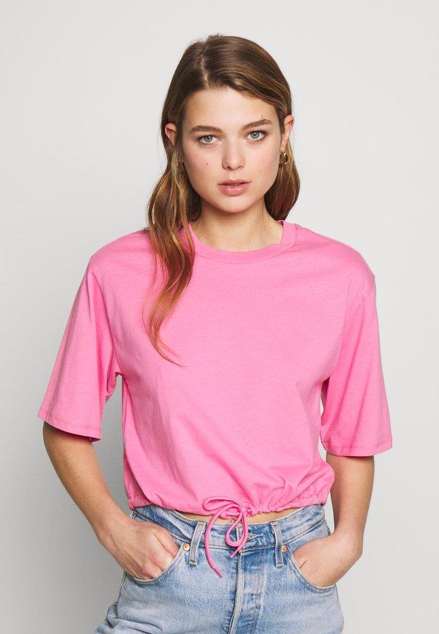 ABELA - Basic T-shirt - pink