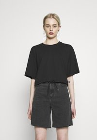 Monki - ABELA - Basic T-shirt - black dark - 0