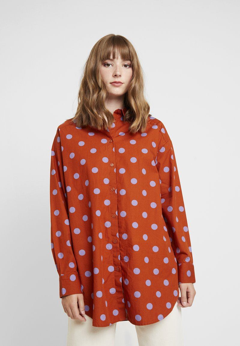 Monki - VERA - Button-down blouse - orange dark