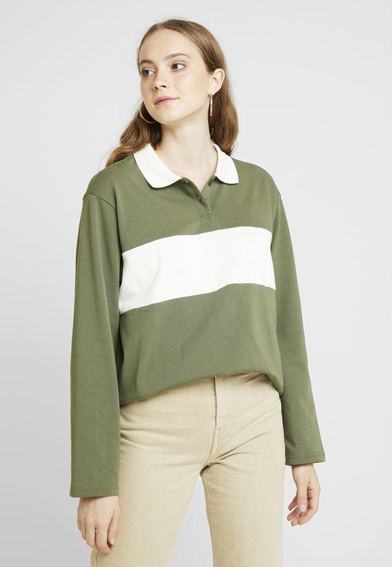 Monki - COMMON - Bluzka - green/white stripe