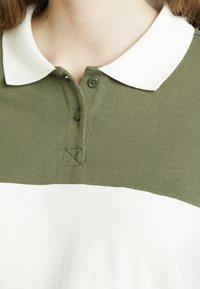 Monki - COMMON - Bluzka - green/white stripe - 5