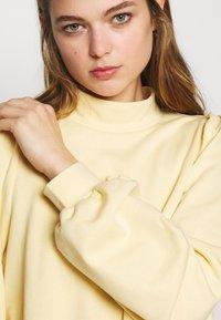 Monki - Sweatshirt - yellow light - 5