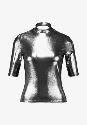 KIMYA - T-shirt z nadrukiem - foile silver