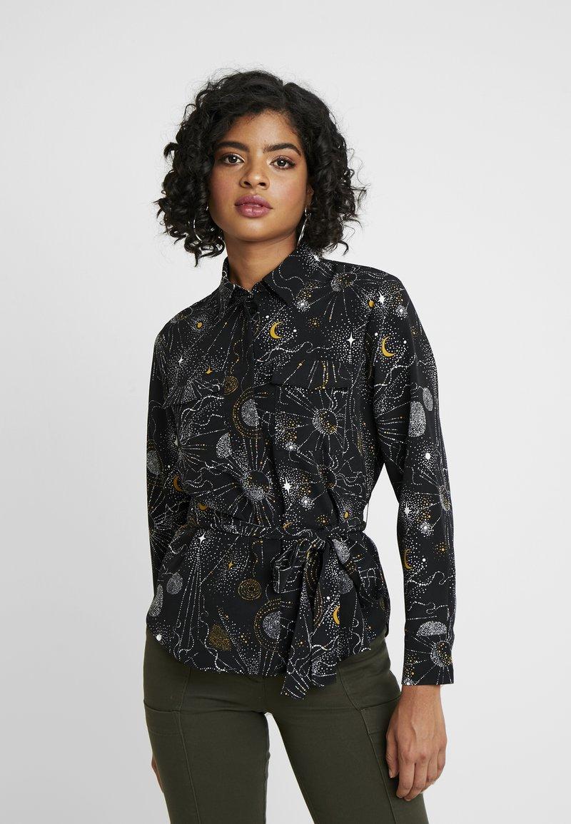 Monki - LOVA BLOUSE - Button-down blouse - black