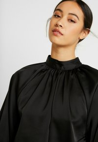 Monki - SILLY BLOUSE - Bluser - black