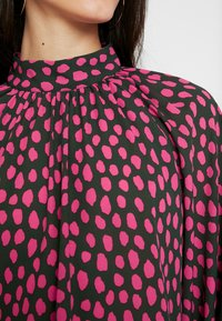 Monki - SILLY BLOUSE - Bluser - pink - 4