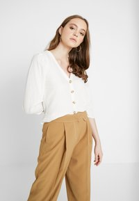 Monki - WILMA BLOUSE - Blůza - white