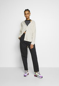 Monki - MEJA  - Skjorte - white dusty light - 1