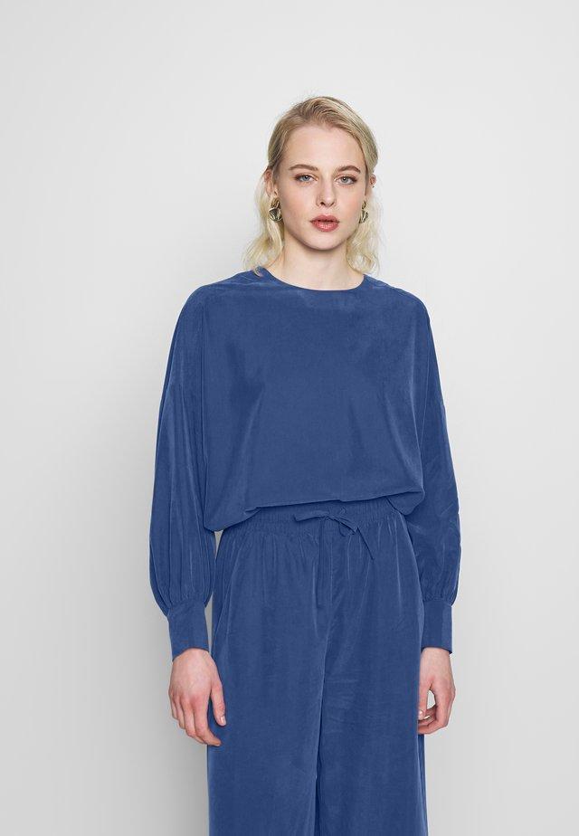 MARYANNE BLOUSE - Blouse - blue
