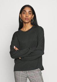Monki - MAJA - Long sleeved top - white/bigstraight - 2