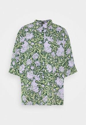 TAMRA BLOUSE - Skjorte - green ellisflower