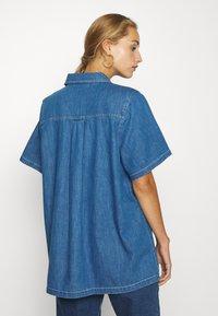 Monki - KATJA  - Košile - blue - 2