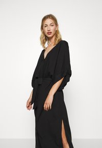 Monki - CARRO KAFTAN - Robe chemise - black dark