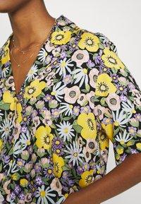Monki - TANNY BLOUSE - Button-down blouse - windoflower - 5