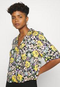 Monki - TANNY BLOUSE - Button-down blouse - windoflower - 3