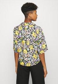 Monki - TANNY BLOUSE - Button-down blouse - windoflower - 2