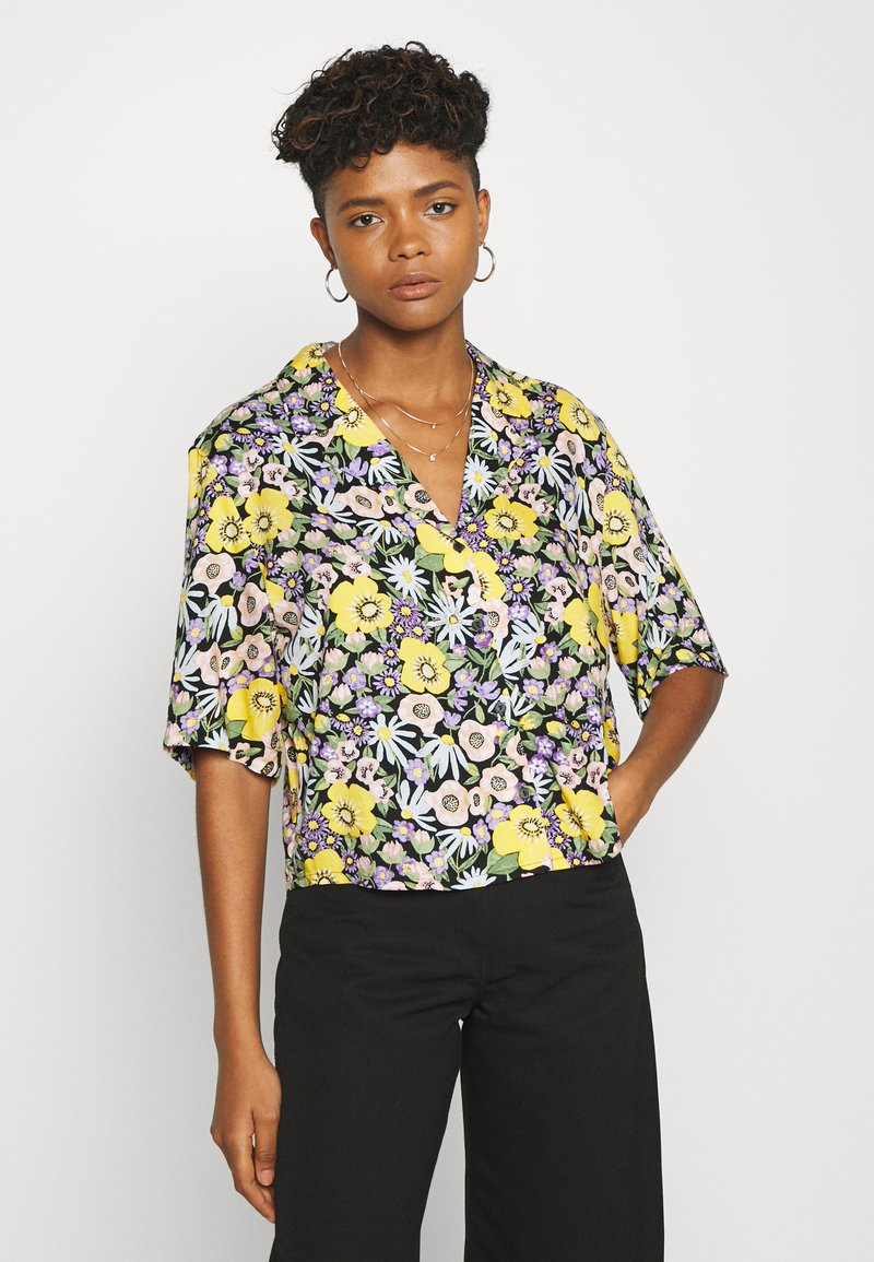 Monki - TANNY BLOUSE - Skjorte - windoflower