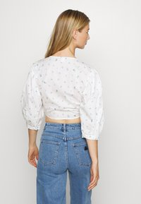 Monki - SOLA BLOUSE - Pusero - white - 2