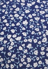 Monki - MAJ BLOUSE - Blouse - blue - 2
