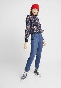 Monki - KIMOMO CLASSIC - Straight leg jeans - classic blue - 1