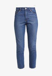 Monki - KIMOMO CLASSIC - Straight leg jeans - classic blue - 4