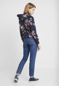 Monki - KIMOMO CLASSIC - Straight leg jeans - classic blue - 2