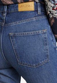 Monki - KIMOMO CLASSIC - Straight leg jeans - classic blue - 5